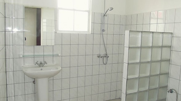 bad-en-toilet-boven-kl_587_330_90